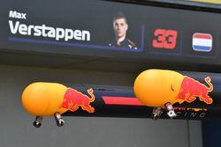 Red Bull Racing pit box detail
