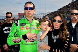 Kyle Busch, Joe Gibbs Racing, Toyota Camry Interstate Batteries y Samantha Busch