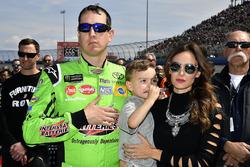 Kyle Busch, Joe Gibbs Racing, Toyota Camry, mit Ehefrau Samantha