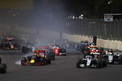 Nico Rosberg, Mercedes F1 W07 Hybrid, Max Verstappen, Red Bull Racing RB12 TAG Heuer, Nico Hulkenber