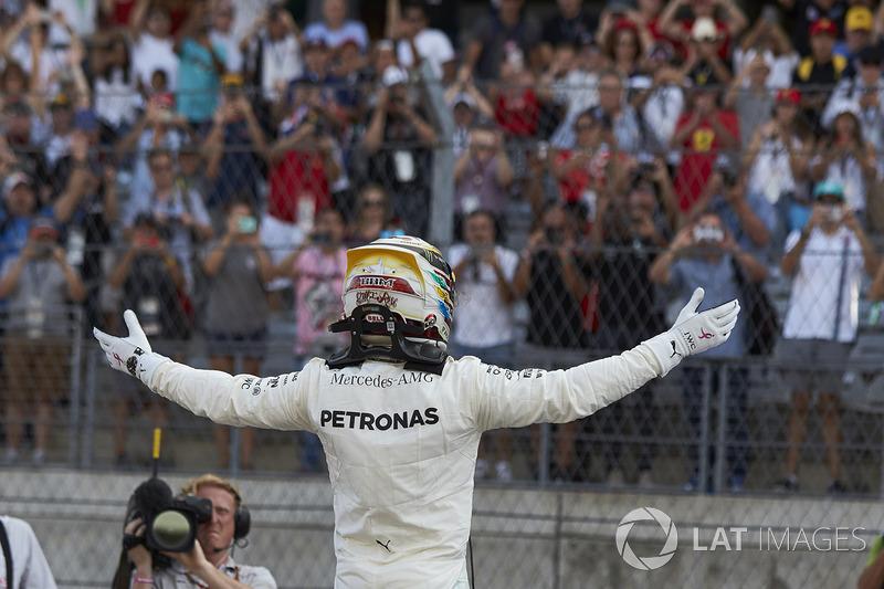 Lewis Hamilton, Mercedes AMG F1, celebra