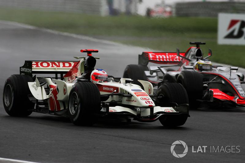 Rubens Barrichello, Honda RA106 avec Pedro de la Rosa, McLaren Mercedes MP4/21