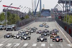Start zum Honda Indy Toronto 2018: Josef Newgarden, Team Penske Chevrolet, Scott Dixon, Chip Ganassi Racing Honda