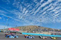 Martin Truex Jr., Furniture Row Racing Toyota e Jimmie Johnson, Hendrick Motorsports Chevrolet