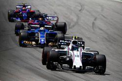 Lance Stroll, Williams FW40, Marcus Ericsson, Sauber C36, Brendon Hartley, Scuderia Toro Rosso STR12