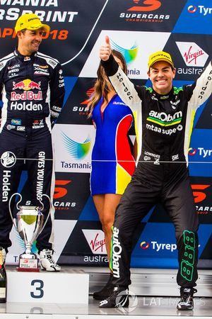 Podium: race winner Craig Lowndes, Triple Eight Race Engineering Holden, third place Jamie Whincup,