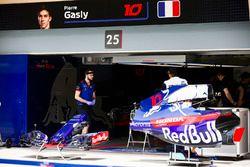Le garage de Pierre Gasly, Toro Rosso