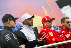 Valtteri Bottas, Mercedes AMG F1, Lewis Hamilton, Mercedes AMG F1, Kimi Raikkonen, Ferrari, and Sebastian Vettel, Ferrari