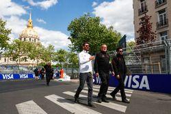 Jose Maria Lopez, Dragon Racing, fait le tour du circuit à pied