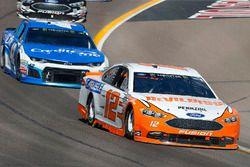 Ryan Blaney, Team Penske, Ford Fusion Devilbiss e Kyle Larson, Chip Ganassi Racing, Chevrolet Camaro Credit One Bank