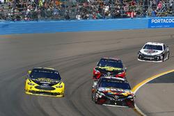 Kyle Busch, Joe Gibbs Racing, Toyota Camry Skittles Sweet Heat, Brad Keselowski, Team Penske, Ford F