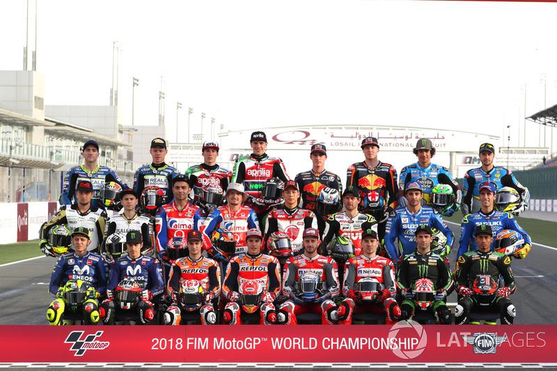 Photo de groupe pour les pilotes MotoGP
