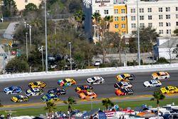 Alex Bowman, Hendrick Motorsports Chevrolet Camaro en Ryan Newman, Richard Childress Racing Chevrole