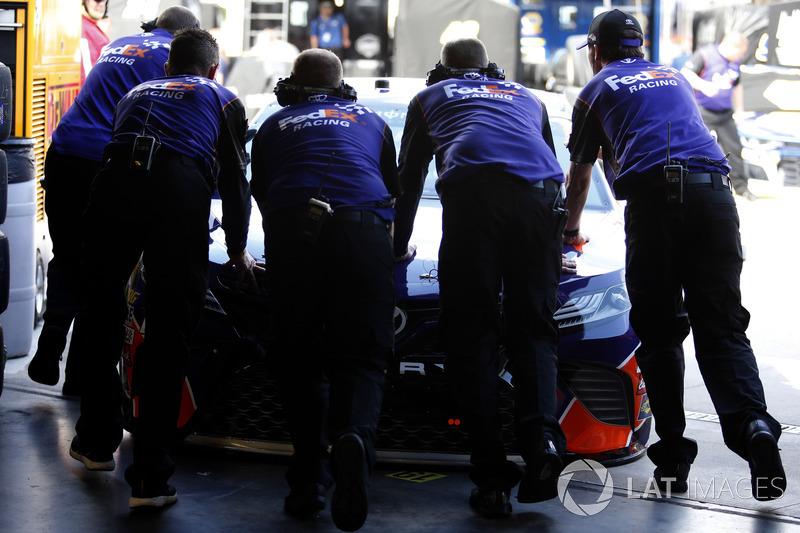 Crew, Joe Gibbs Racing, FedEx Express Toyota Camry