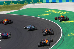 Daniel Ricciardo, Red Bull Racing RB13, auf Abwegen