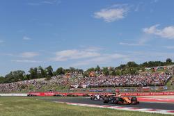 Фернандо Алонсо, McLaren MCL32, Серхіо Перес, Sahara Force India F1 VJM10
