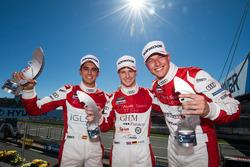 Mikel Azcona, Philip Ellis, Milan Dontje, podium