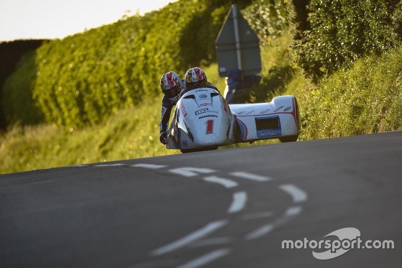Sidecar TT 2: 1. Platz - Ben Birchall / Tom Birchall, LCR / IEG Racing