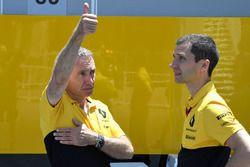 Bob Bell, Renault Sport F1 Team at Renault Sport F1 Team and Remi Taffin, Head of Renault Sport F1 T