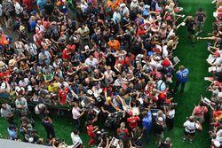 Sebastian Vettel, Ferrari en Kevin Magnussen, Haas F1 Team