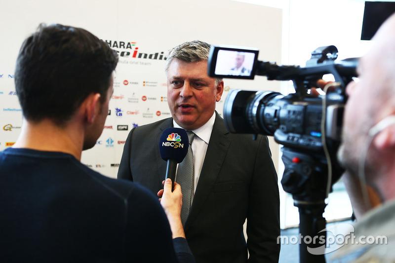 Otmar Szafnauer, Sahara Force India F1 Team, mit der Presse