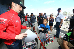 Eugene Laverty, Milwaukee Aprilia World Superbike Team with fans
