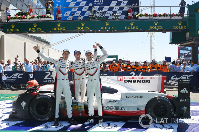 6. Timo Bernhard, Earl Bamber, Brendon Hartley, Porsche Team