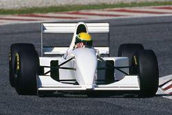 Ayrton Senna, McLaren MP4/8 con motore V12 Chrysler/Lamborghini