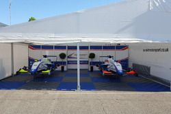 Mobil-mobil Mark Burdett Motorsport