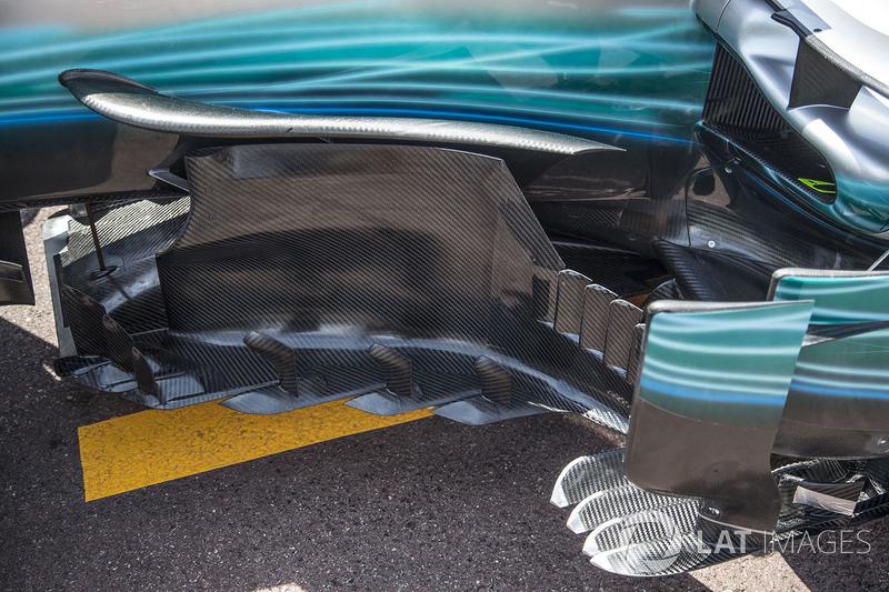 Mercedes-Benz F1 W08 Hybrid bargeboard detail