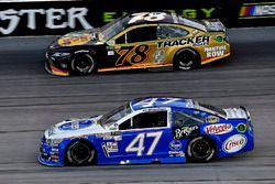 A.J. Allmendinger, JTG Daugherty Racing Chevrolet, Martin Truex Jr., Furniture Row Racing Toyota