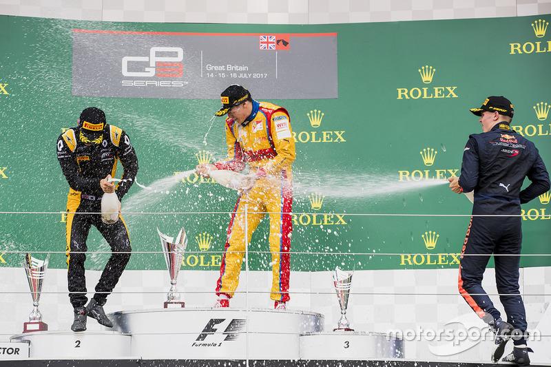 Podio: ganador de la carrera Giuliano Alesi, Trident, segundo lugar Jack Aitken, ART GP y tercer lug
