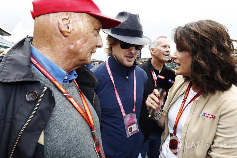 Niki Lauda, Presidente Non Esecutivo, Mercedes AMG F1, Owen Wilson parlano con Tanja Bauer, Sky Germ
