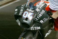 Новый обтекатель на мотоцикле Андреа Довициозо, Ducati Team