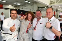 Zsolt Baumgartner, F1 Experiences 2-Seater coureur, F1 Experiences 2-Seater passagier Belinda Whites