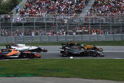 Romain Grosjean, Haas F1 Team VF-17, Jolyon Palmer, Renault Sport F1 Team RS17, Stoffel Vandoorne, M