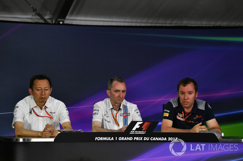 Глава Honda Motorsport Юсуке Хасегава, технический директор Williams Падди Лоу, Джоди Эггингтон, Scu