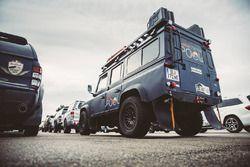 Die Red Bull Content Pool Pressefahrzeuge sind bereit für die lange Reise nach Buenos Aires