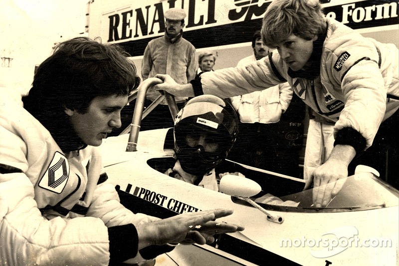 9. Eddie Cheever dentro del coche (132 Grandes Premios)