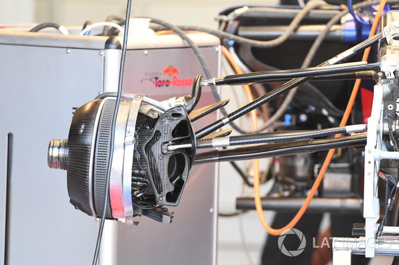 Scuderia Toro Rosso STR12: Vorderrad-Bremse