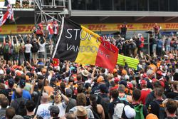 Stoffel Vandoorne, McLaren fans