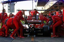 Sebastian Vettel, Ferrari SF70H practices a pit stop