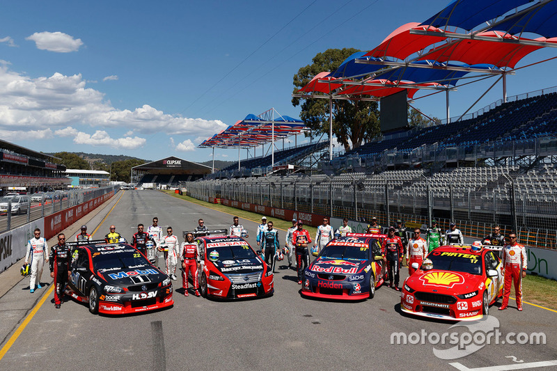 Supercars drivers group photo