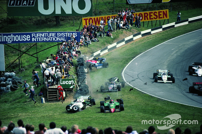 L'incidente di Eddie Cheever, Philippe Alliot, Stefan Johansson e Jo Gartner a Brands Hatch 1984
