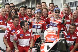 Andrea Dovizioso, Ducati Team, Jorge Lorenzo, Ducati Team, avec l'équipe
