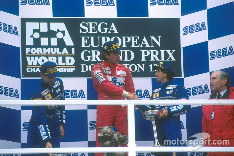 Podium: winner Ayrton Senna, McLaren MP4/8 Ford, second place Damon Hill, Williams FW15C Renault, third place Alain Prost, Williams FW15C Renault