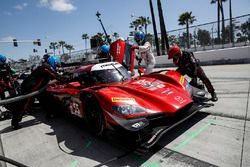 #55 Mazda Motorsports Mazda DPi: Jonathan Bomarito, Tristan Nunez, pit stop