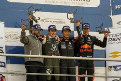 1. Yarış Podyum: Yarış galibi Yifei Ye, Josef Kaufmann Racing, 2.Sacha Fenestraz, Josef Kaufmann Rac