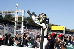 Tweede plaats en kampioen 2017, Lando Norris, Carlin Dallara F317 - Volkswagen