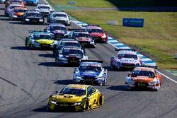 Start action, Timo Glock, BMW Team RMG, BMW M4 DTM leads